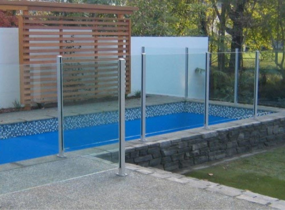 Frameless pool fencing gallery all glass and aluminium for Pool fence design qld